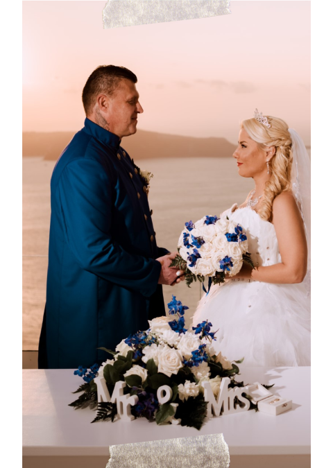 Elopement in enchanting sunset of Santorini