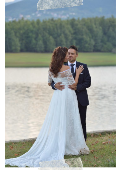 Picturesque wedding by the lake